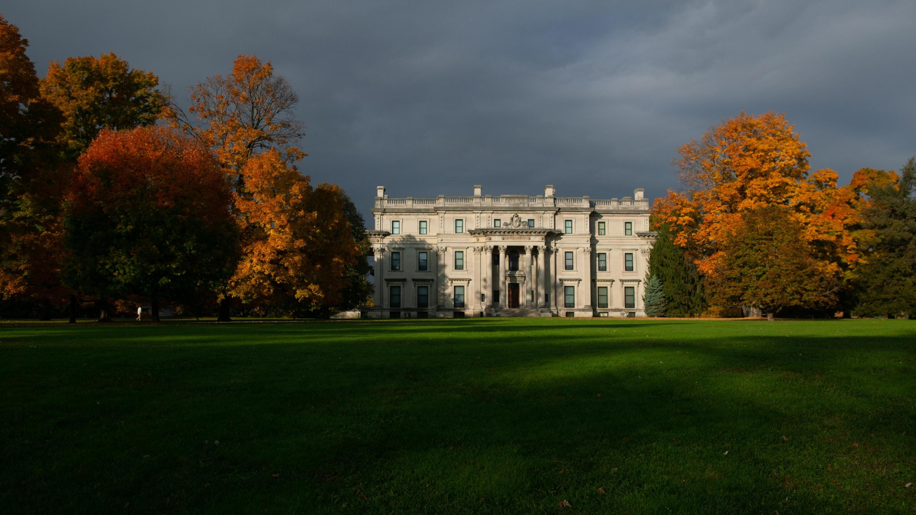 The Vanderbilt Mansion in the Fall