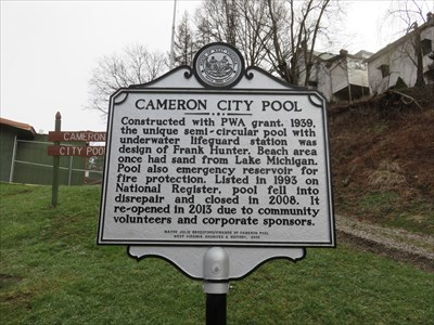 A road marker for Cameron City Pool