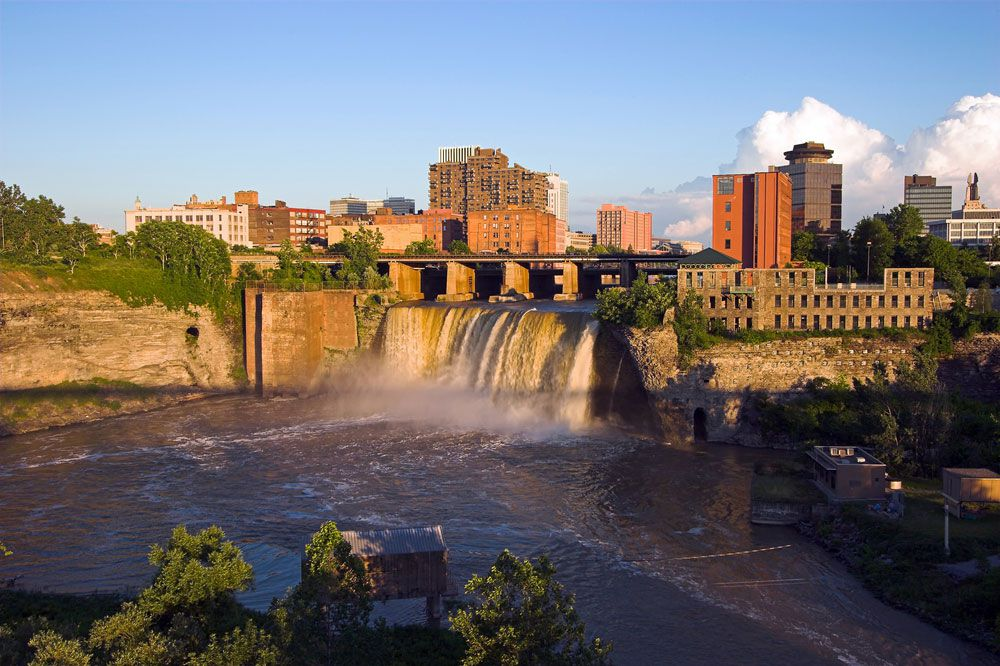 Modern-day photo of High Falls, where Sam Patch performed his final jump that lead to his death.