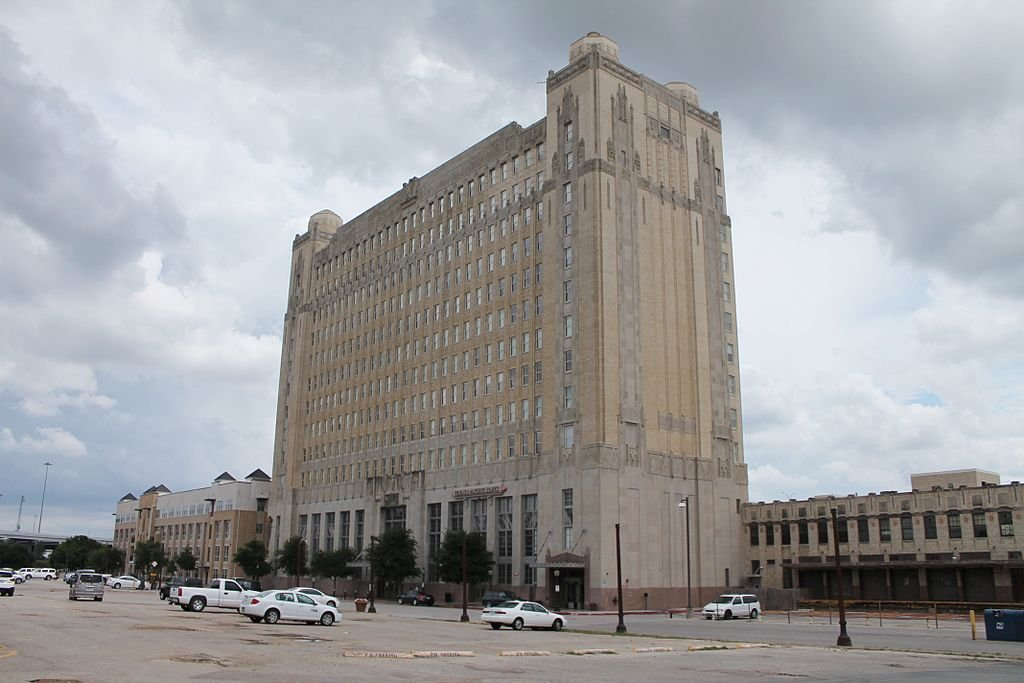 The Texas and Pacific Terminal Complex was built in 1931 and is considered one of the best examples of Art Deco architecture in Fort Worth.