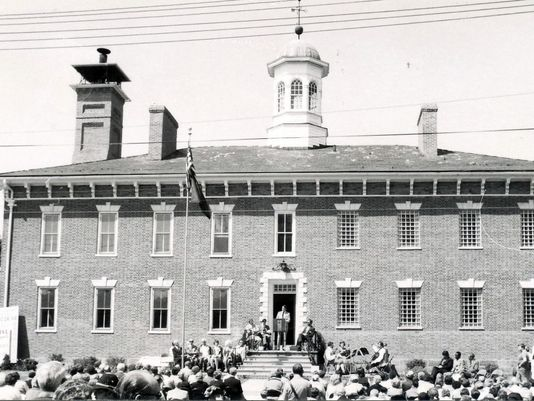 Dedication of the Old Franklin County Jail as the new home of the historical society in 1976. Courtesy of The Public Opinion.