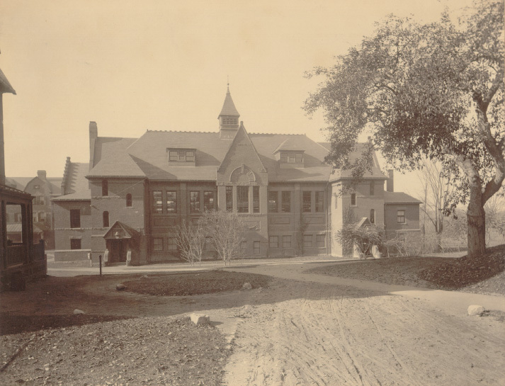 This is the Alumnae Gymnasium at Smith College in 1904. https://libex.smith.edu/omeka/items/show/177.