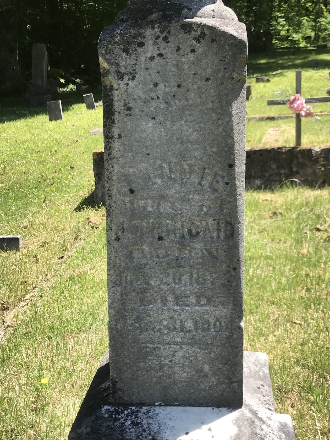 The grave of Fannie Kincaid, the woman pictured in the previous image.