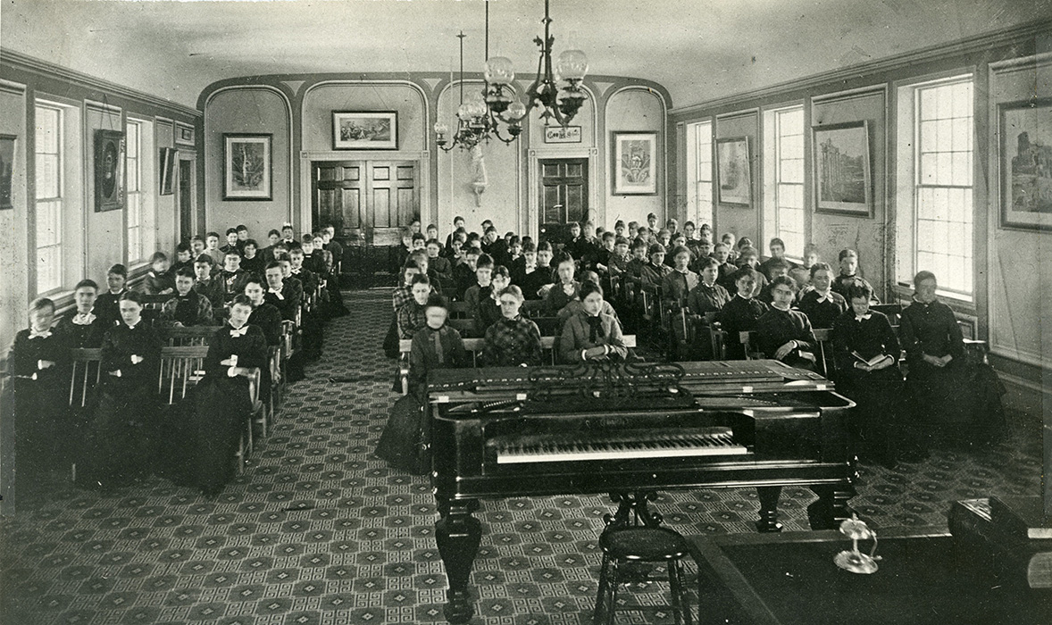 Abbot Academy students in Abbot Hall