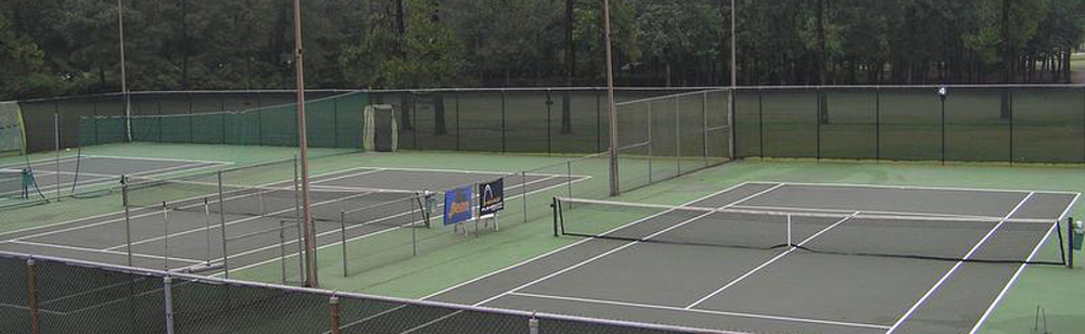 Our tennis facilities feature 2 lighted clay (Har-Tru) courts and 4 lighted hard courts, all of which are available daily.  A full service Tennis Pro Shop is offered and provides an excellent view of all 6 courts from its patio and balcony.