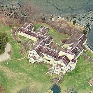 This aerial shot reveals the true size of the mansion.