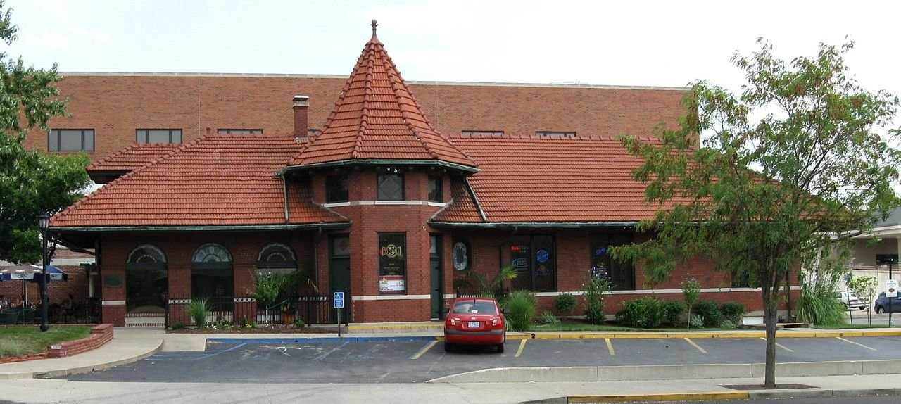 The former Missouri, Kansas, and Texas Railroad Depot is now home to a restaurant.