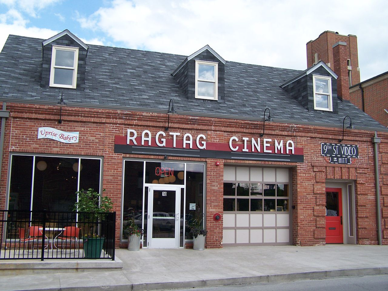 The Coca-Cola Bottling Company Building is now the location of the indpendent movie theater Ragtag Cinema.