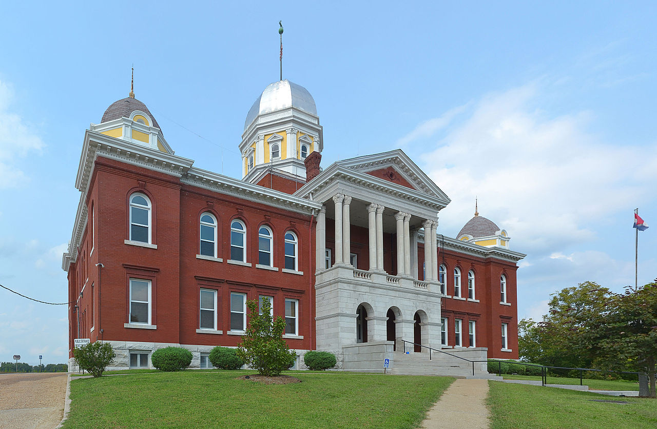 The Gasconade County Courthouse was built in 1898.