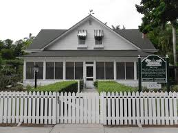 Naples Historical Society is housed in the historic Palm Cottage, which was built in 1895. The Society works to promote the history of Naples.