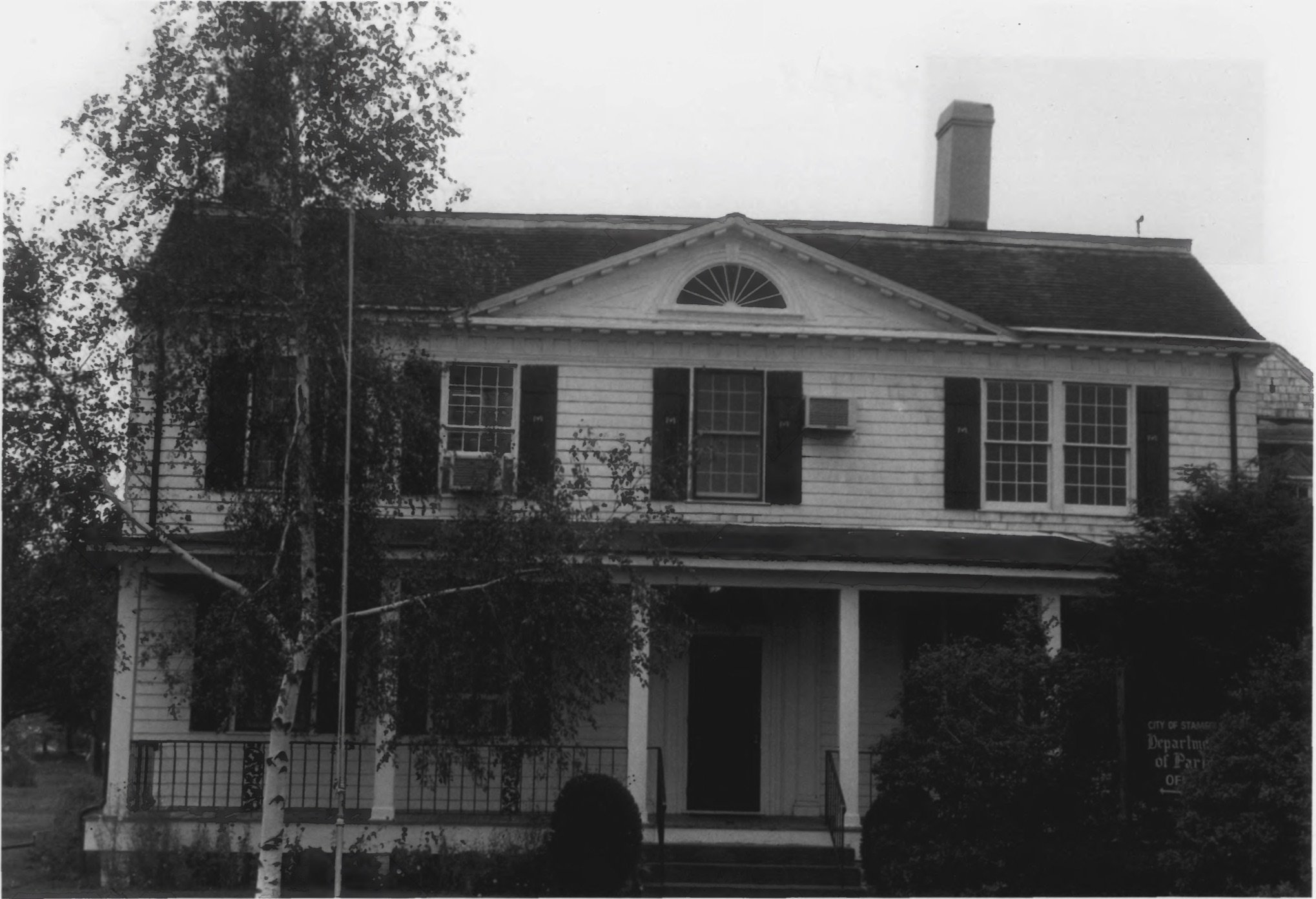 Wide Shot of the Cove Island House in 1979 by D. Ransom, Part of the NPS NRHP Photographic Collection on the Cove House
