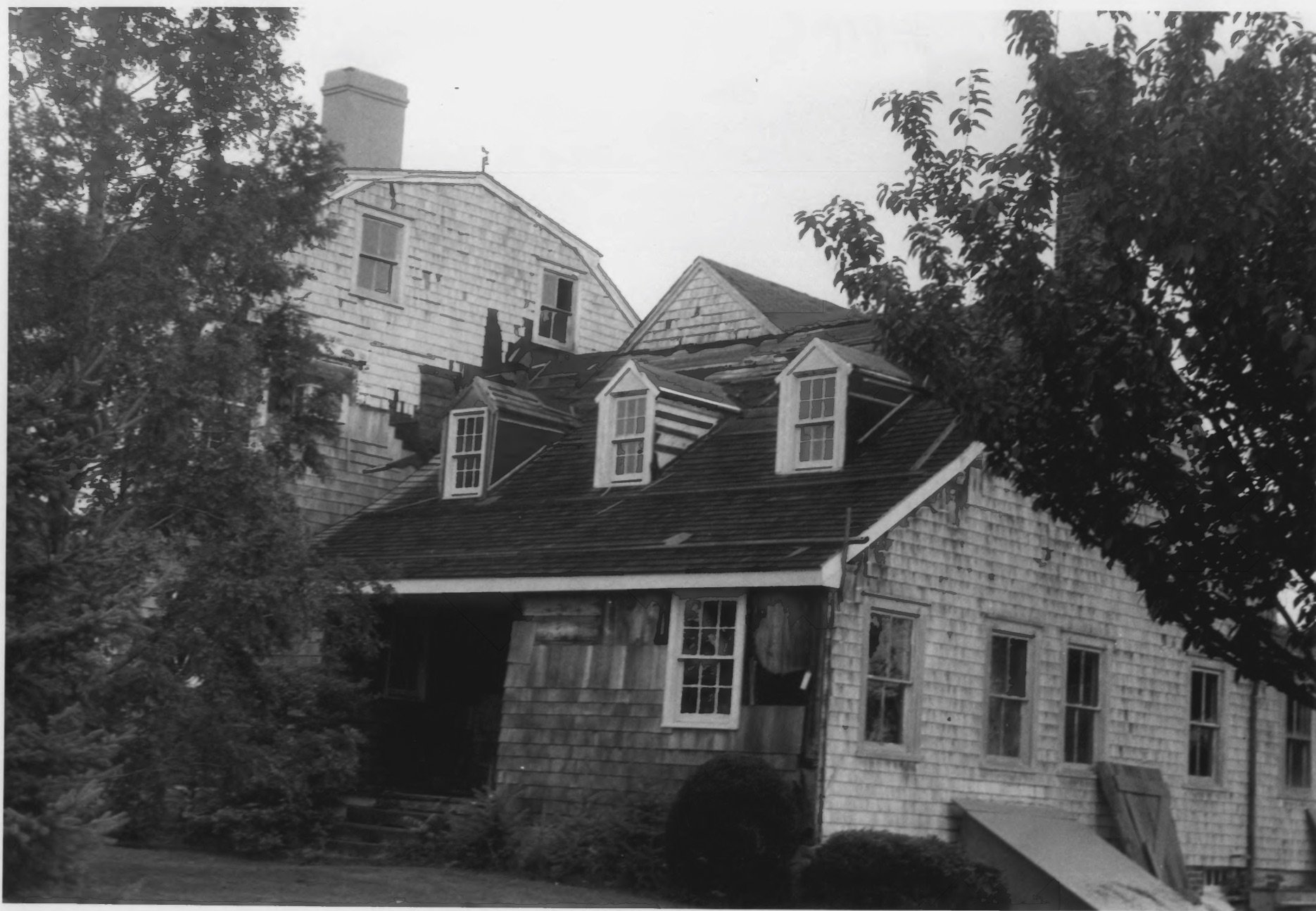 Older Section of the Cove Island House in 1979 by D. Ransom, Part of the NPS NRHP Photographic Collection on the Cove House