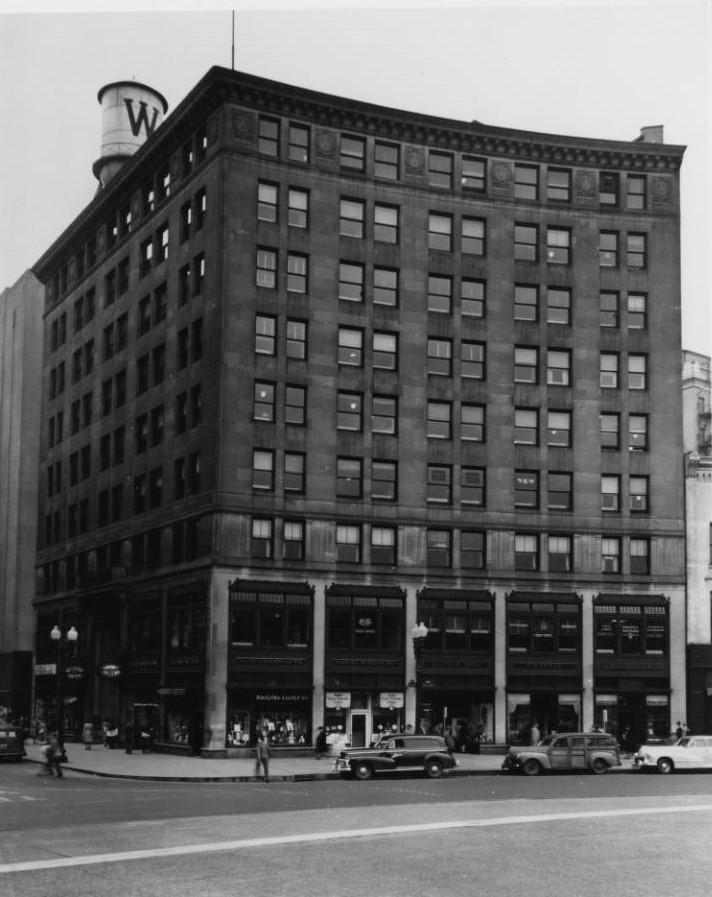 Ca. 1947 photograph of Guaranty Building from Indianapolis Star News (Indiana State Library Digital Collection)