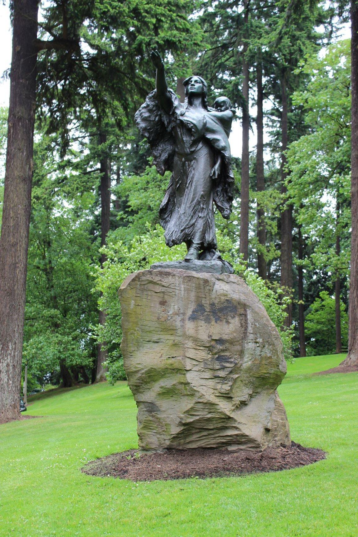 Sacajawea statue.  Photo by Cynthia Prescott