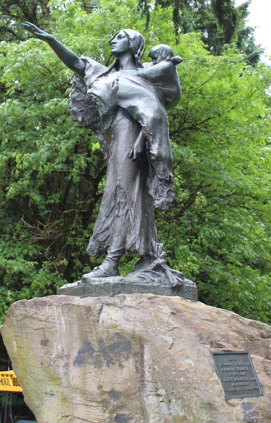 Sacajawea statue, side view.  Photo by Cynthia Prescott