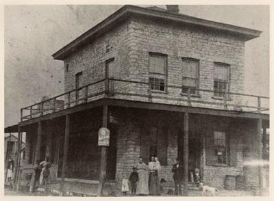 Hofheintz-Reissig Store (date unknown) via TexasTimeTravel.com