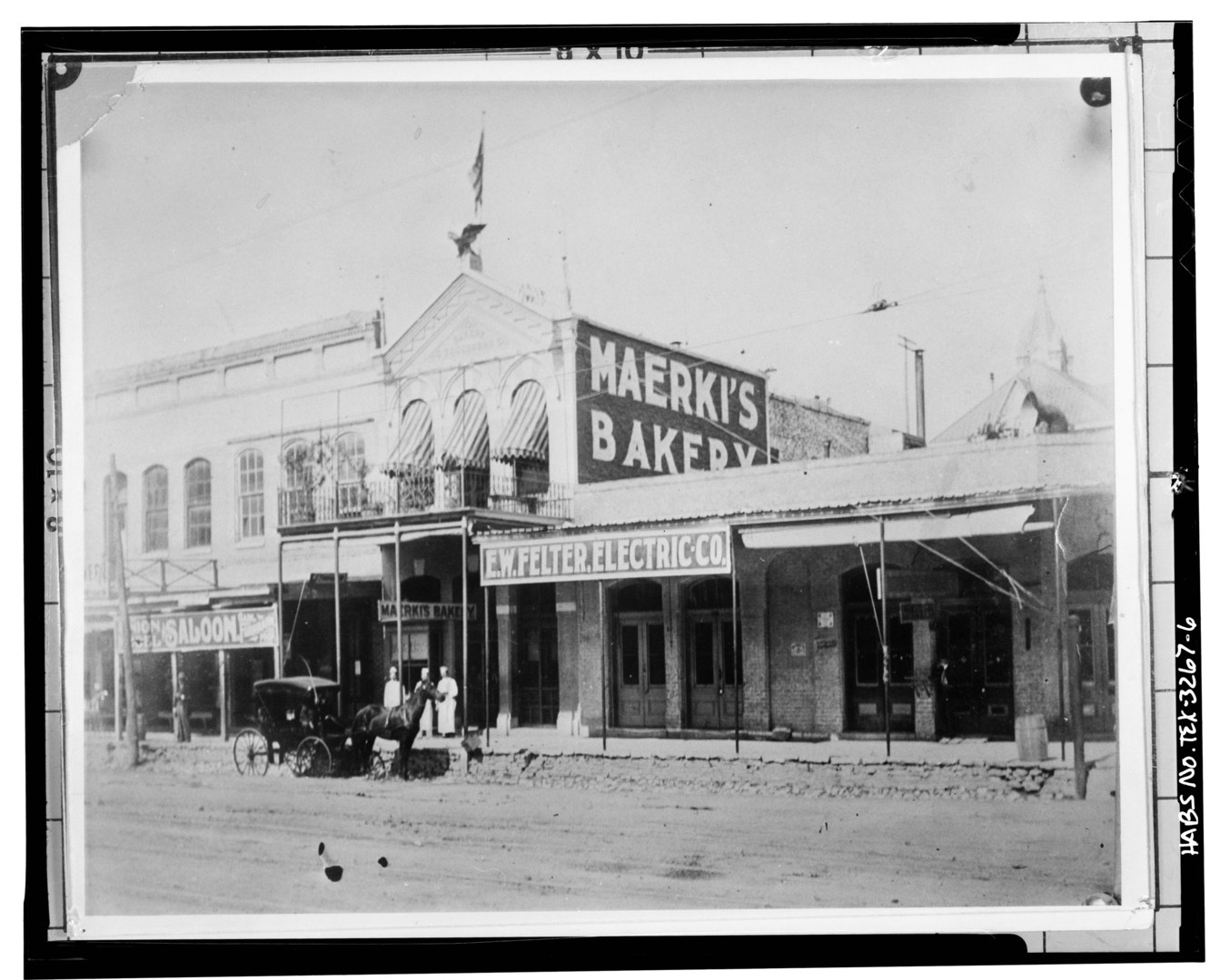 1890s photo of the Lundberg Bakery in Austin, TX.