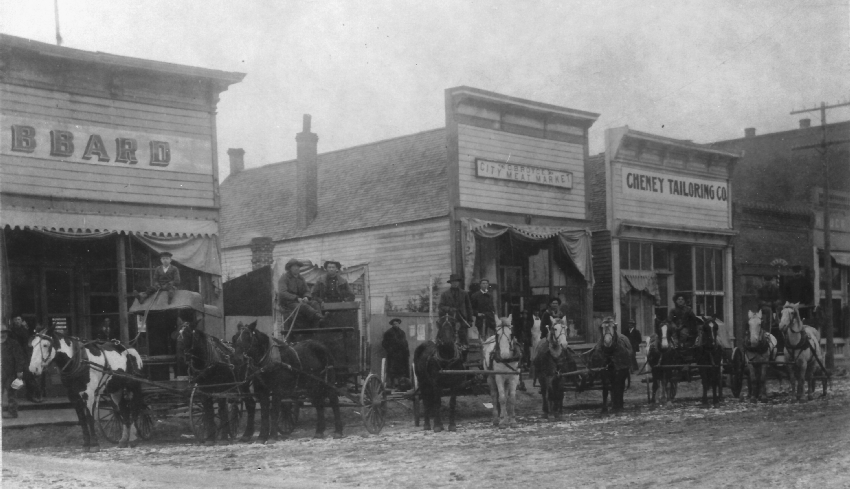 Hubbards Grocery on 1st Street around 1907