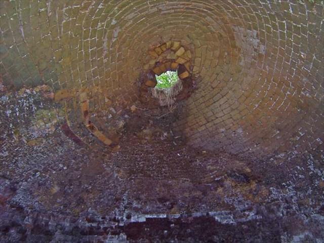 Inside of oven, from floor looking upward, 2006