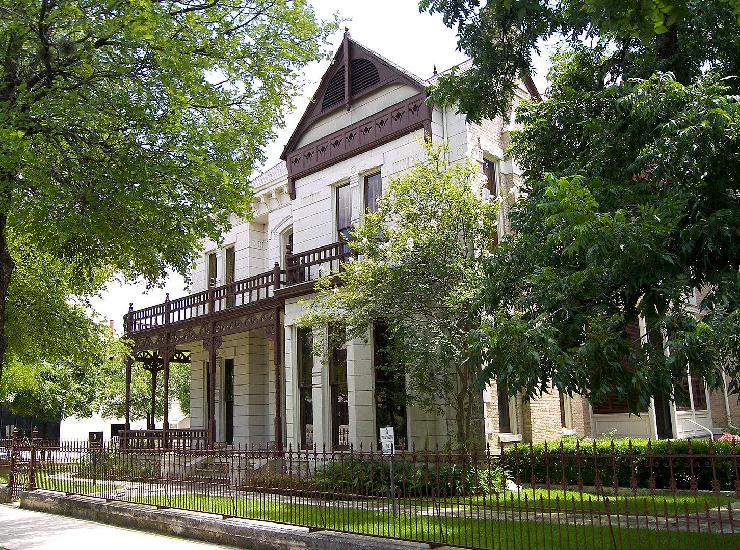 The Hirshfeld Mansion - photo taken in 2007.