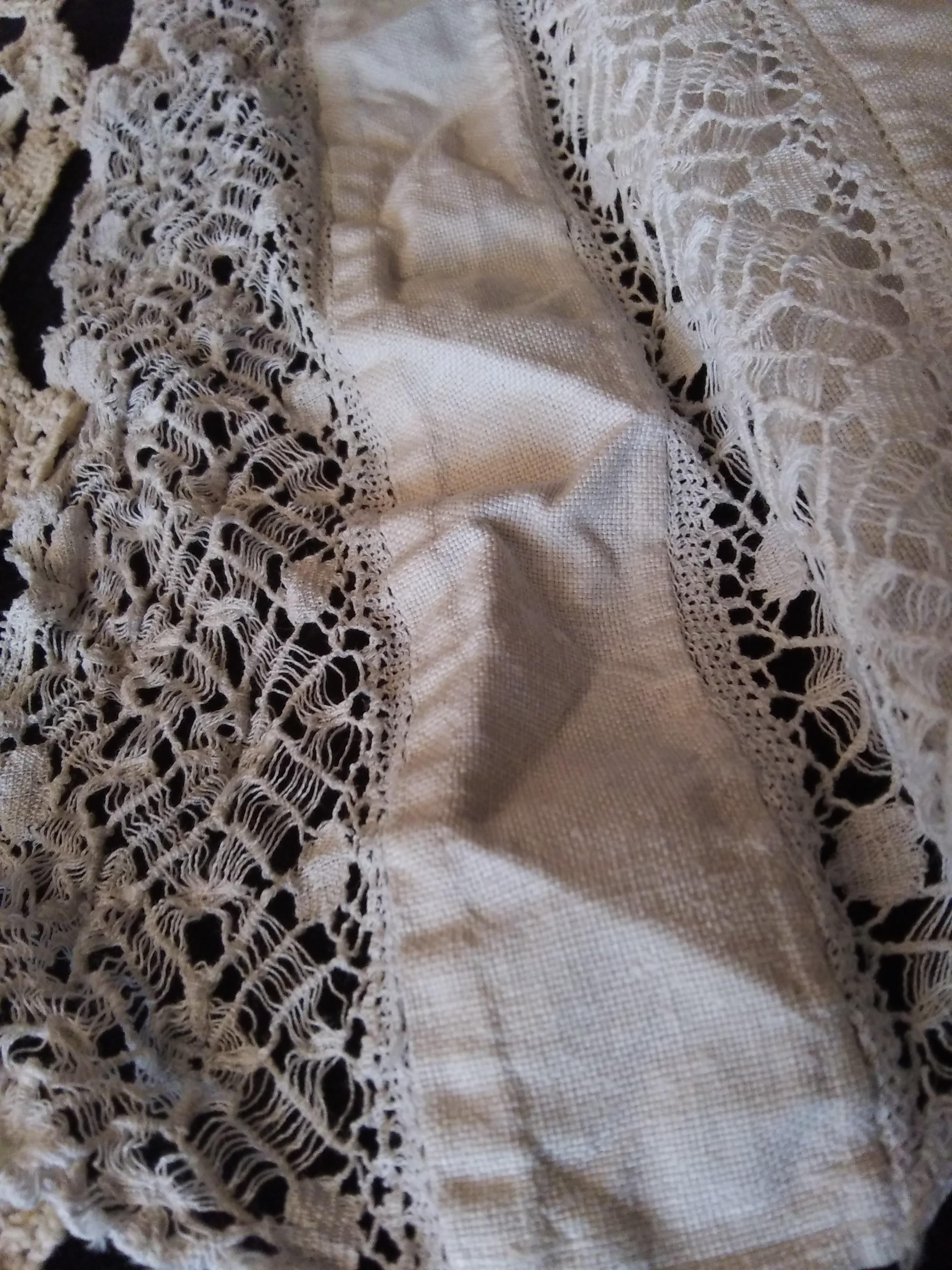 Outerwear, Textile, Sleeve, Creative arts