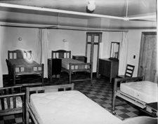 Room in Thomas Memorial Hospital in 1946