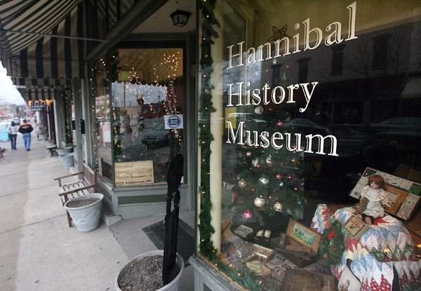The Hannibal History Museum opened in 2011 and features exhibits that tell the history of the city.