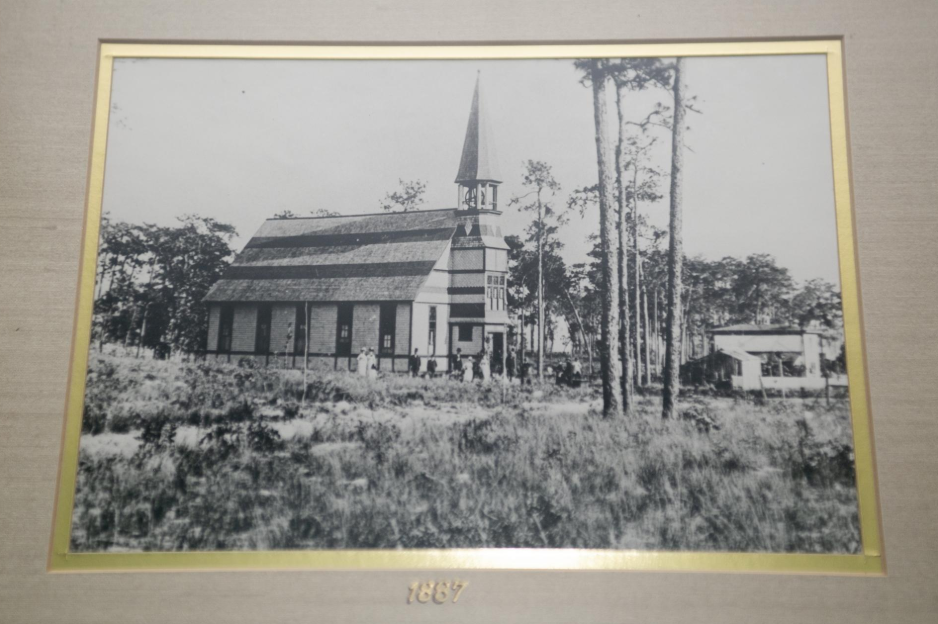 A photo from 1887 shows The Congregational Church of Mount Dora before Donnelly Street was built in downtown Mount Dora.