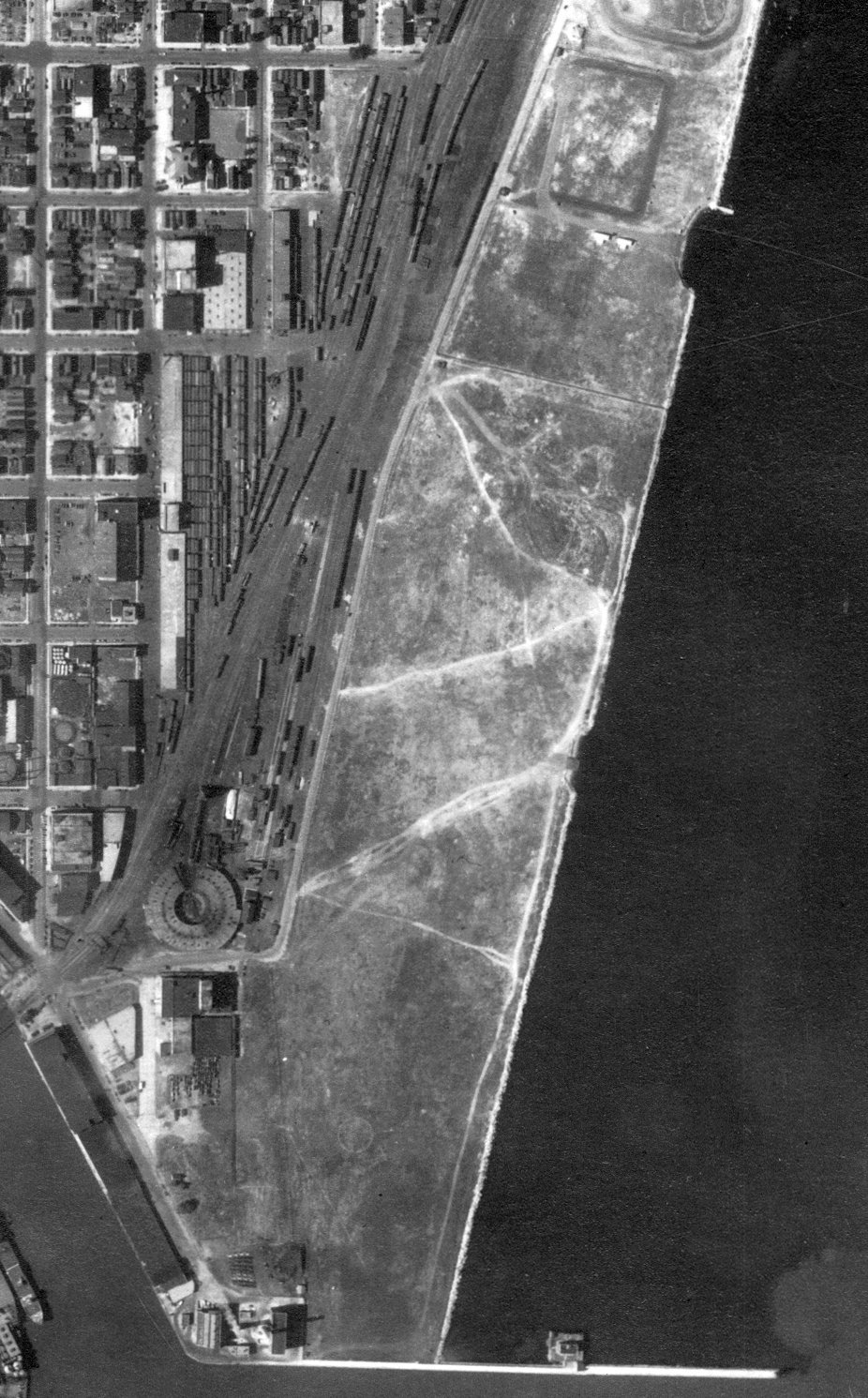 Aerial view of Maitland Airport (from the WI Historic Aerial Imagery Finder), 1937.