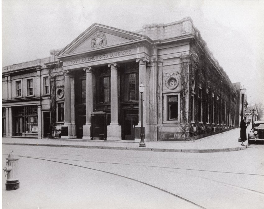 Tootle Lemon Bank, 6th & Francis, c. 1920s. NW corner 6th & Francis, St. Joseph, MO.  View of the bank as it sits on the corner.  The season is winter when leaves off the vines on the 6th St. side.  Image provided by the St. Joseph Museums, Inc.