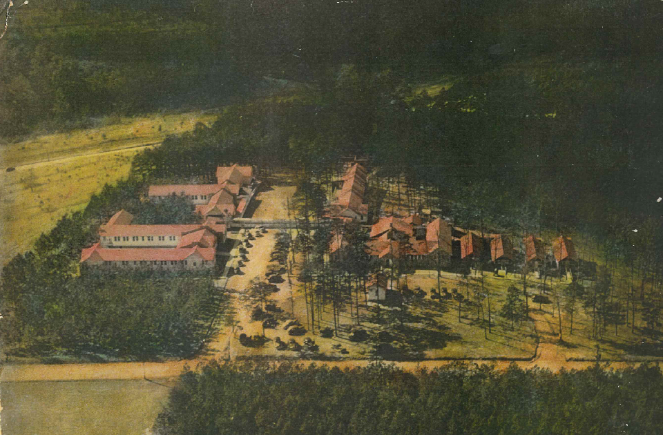 An image of the Hickory Emergency Infantile Paralysis Hospital.