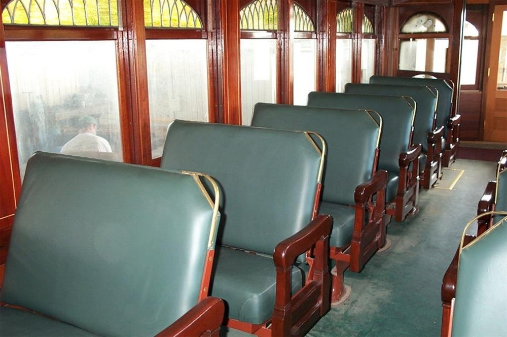 The smoking section featured leather seats.