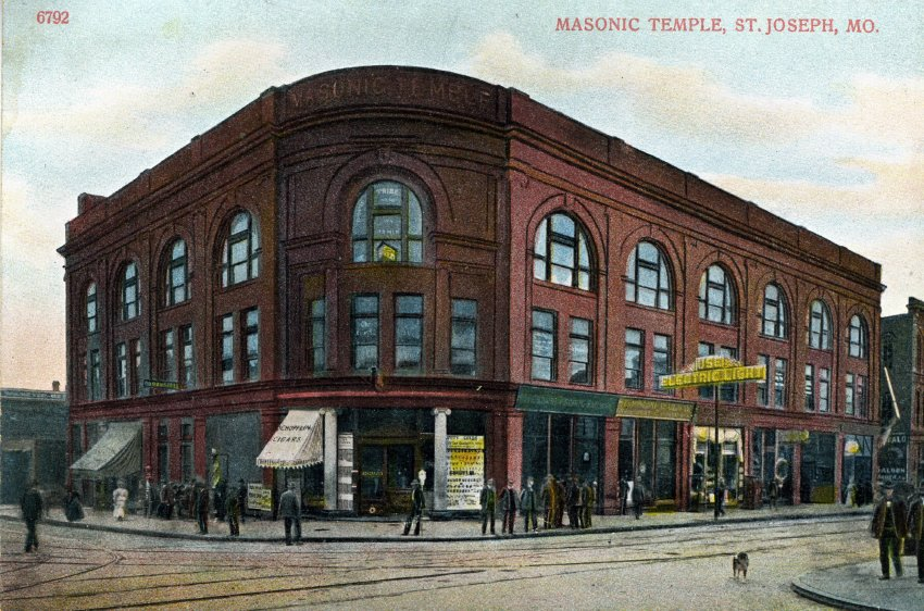 Postcard of the Masonic Temple at Fifth and Edmond. Image provided by the St. Joseph Museums, Inc.