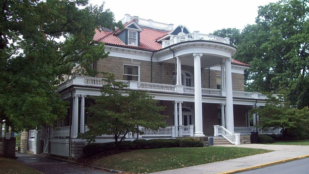 Purinton House, now home to WVU's International Students & Scholars Services. Courtesy of Wikipedia.