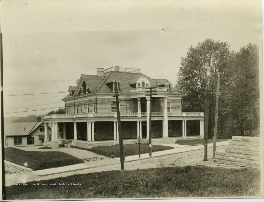 Purinton House in 1906, shortly after its construction. Courtesy of the West Virginia & Regional History Center.