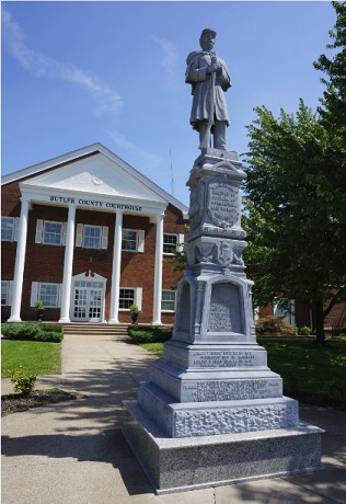 Confederate/Union Monument in Front of Butler County Courthouse