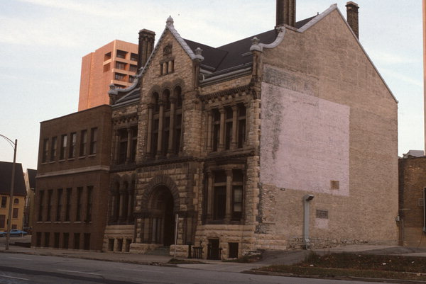 Side angle of the building in 1983. Photo credit: Wisconsin Historical Society