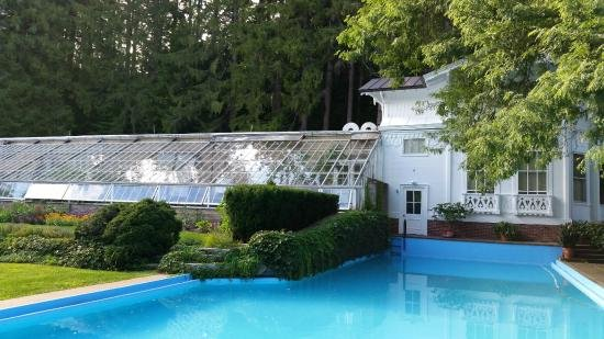 The Belvedere's swimming pool and greenhouse.