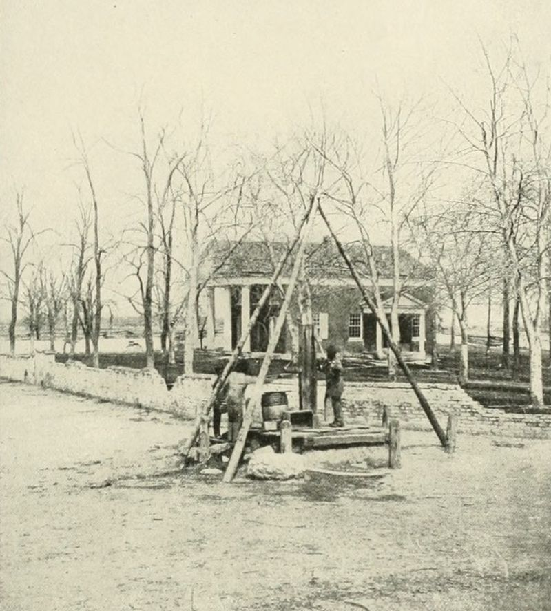 Spotsylvania Courthouse building. This photo was taken around the time of the battle.