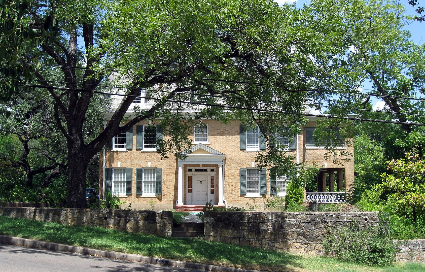 The Cox-Craddock House (720 E. 32nd St., Austin, TX), built in 1928.