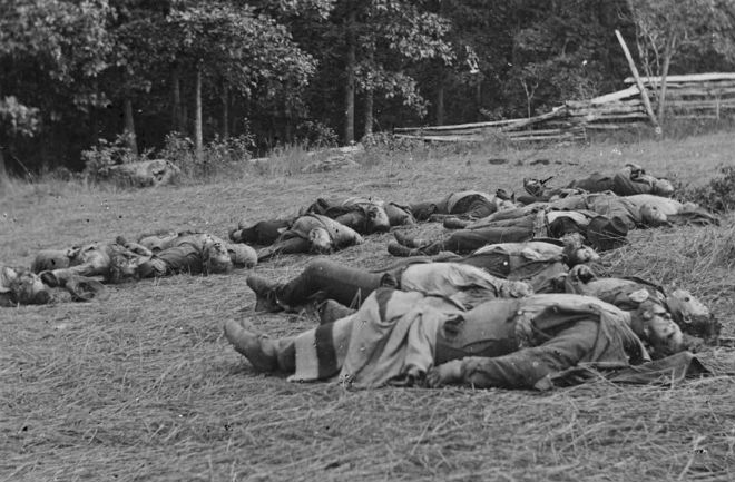 These were photo's taken after the battle of Gettysburg was finished: http://news.discovery.com/history/us-history/battle-gettysburg-150-anniversary-photos-20130701.htm
