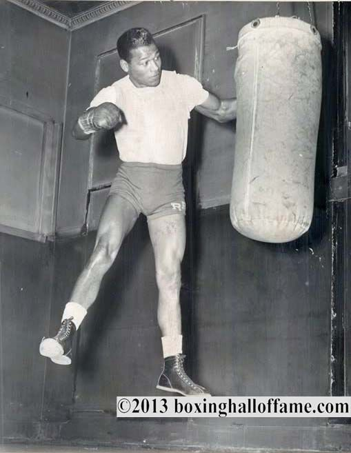 Robinson Works The Heavy Bag