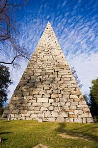 A 90-foot pyramid erected as a memorial to the 18,000 Confederate soldiers buried at Hollywood Cemetery.