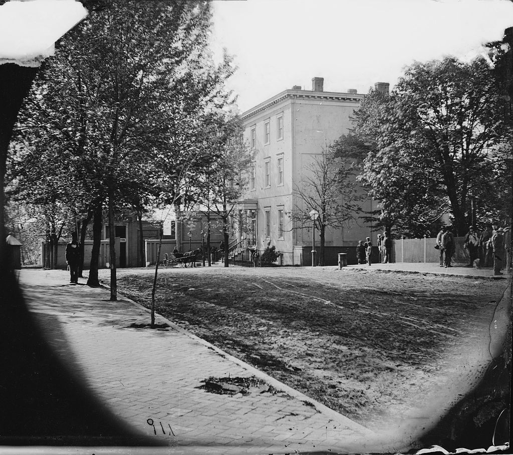 Confederate White House in 1865. Soldiers within the frame are Confederate guards for Jefferson Davis and the house. It is not known exactly when this photo was taken in 1865.