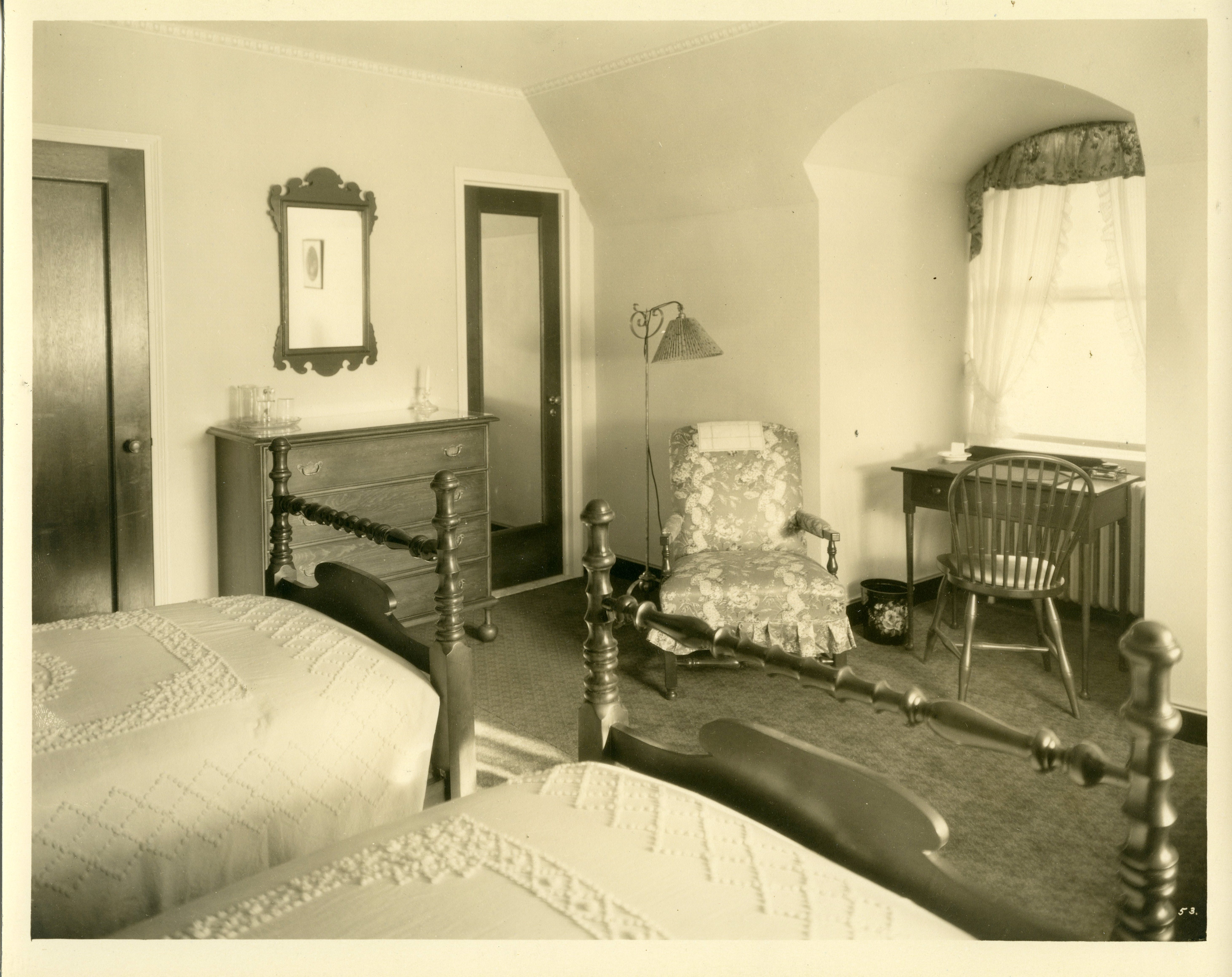 Andover Inn bedroom by Benjamin Morse