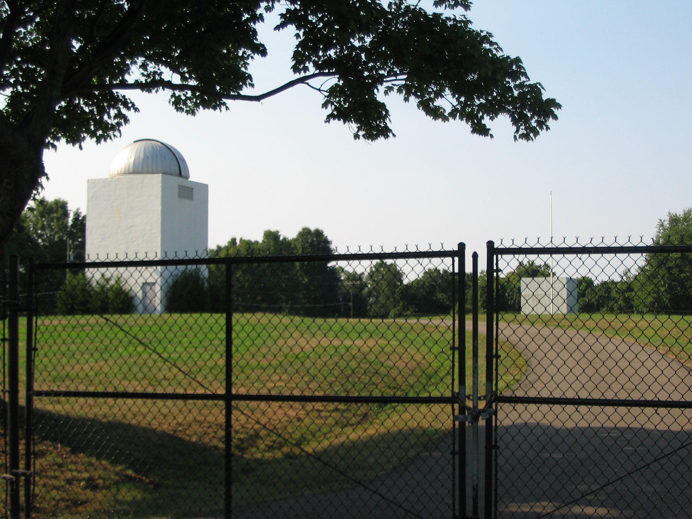 Radio and radar buildings at Turner Farm County Park by Craig Swain on hmdb.org (reproduced under Fair Use)