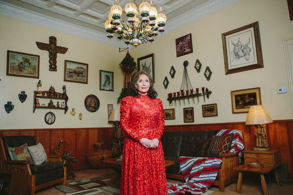 Loretta Lynn Standing in the Den of the Plantation Home, 2016