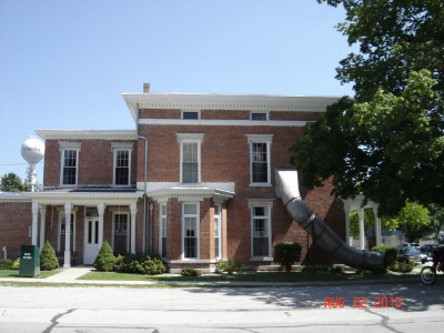The historic Andrew Thomas House was built in 1869 and is now a library.