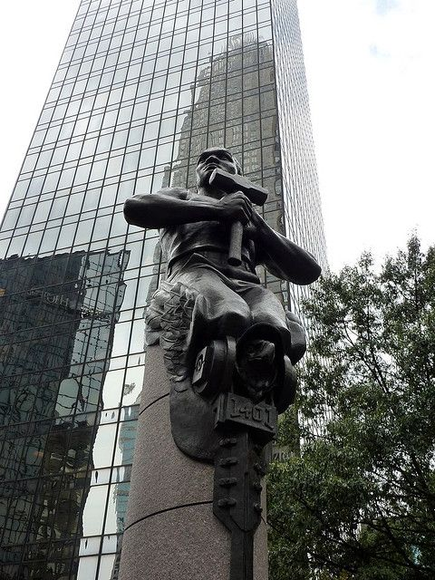 The statue representing transportation.