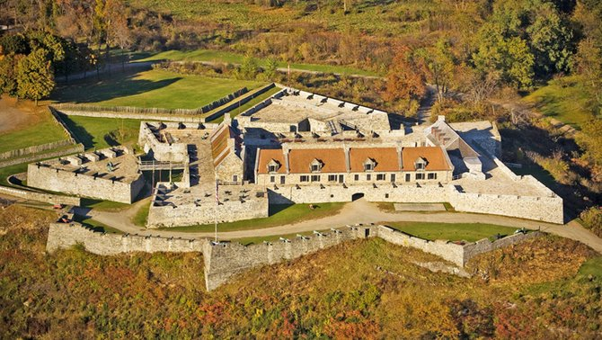 Picture of Fort Ticonderoga and its shape